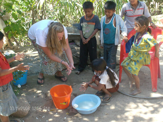 teaching handwashing